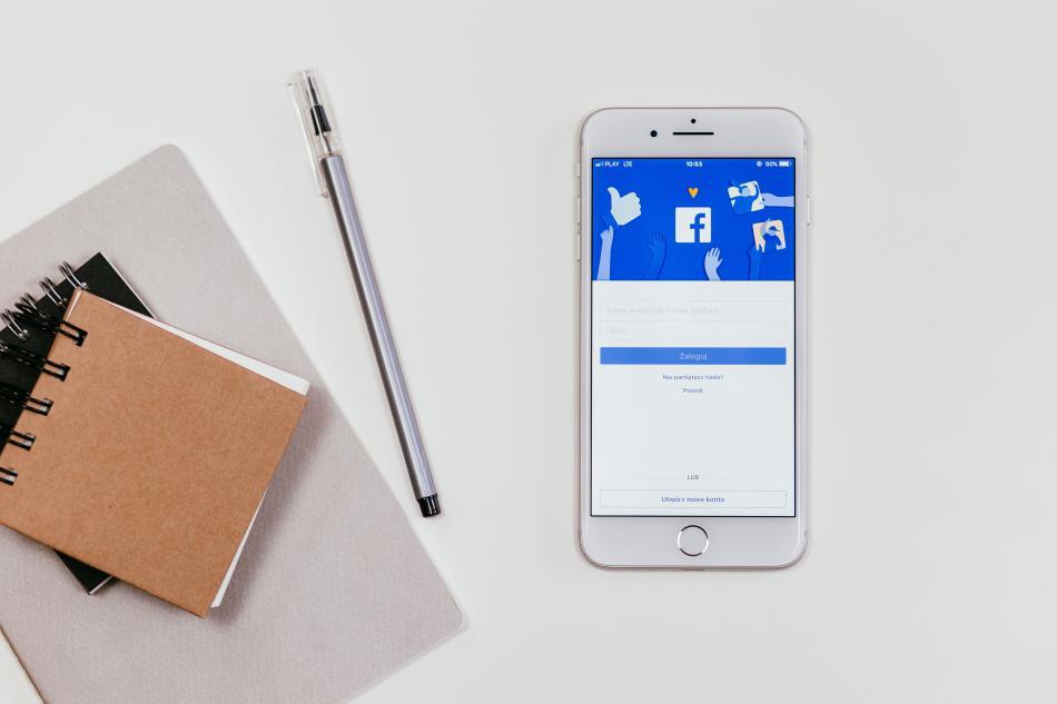 Video di FB Menarik? Ini Solusi Tak Tahu Cara Download Video Facebook